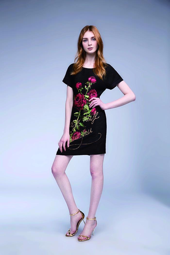 玫瑰花连衣裙
